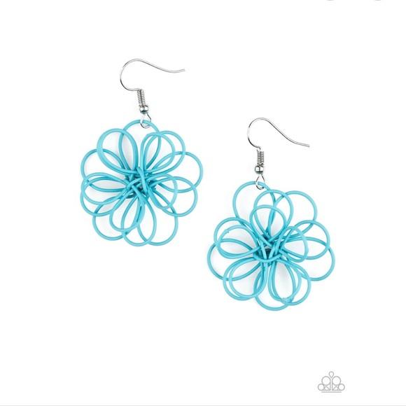 K49 Blue wire flower earrings